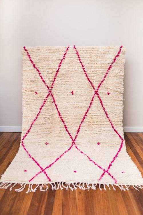 Alfombra-bereber-geométrico-topitos-pink